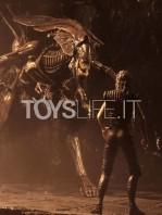neca-alien-resurrection-alien-queen-ultra-deluxe-figure-toyslife-02