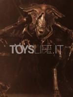 neca-alien-resurrection-alien-queen-ultra-deluxe-figure-toyslife-03