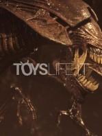 neca-alien-resurrection-alien-queen-ultra-deluxe-figure-toyslife-04