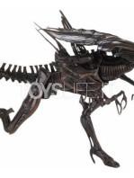 neca-alien-resurrection-alien-queen-ultra-deluxe-figure-toyslife-05
