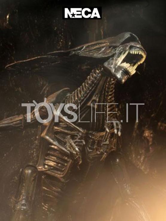 neca-alien-resurrection-alien-queen-ultra-deluxe-figure-toyslife-icon
