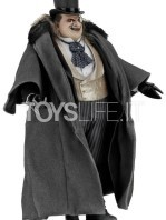 neca-dc-batman-returns-penguin-1:4-figure-toyslife-02