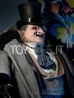 neca-dc-batman-returns-penguin-1:4-figure-toyslife-06