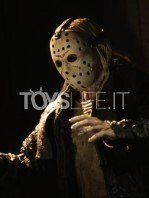 neca-friday-the-13th-ultimate-jason-figure-toyslife-03