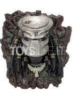 neca-predator-wall-mounted-lifesize-bust-toyslife-01