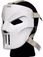 neca-tmnt-1990-movie-casey-jones-mask-lifesize-replica-toyslife-03
