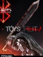 prime1-studio-berserk-guts-armored-statue-toyslife-08