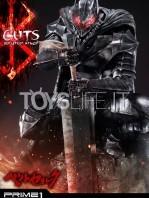 prime1-studio-berserk-guts-armored-statue-toyslife-10