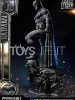 prime1-studio-dc-justice-league-batman-statue-toyslife-02