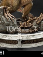 prime1-studio-jurassic-park-t-rex-vs-velociraptors-in-the-rotunda-diorama-toyslife-16