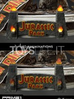 prime1-studio-jurassic-park-t-rex-vs-velociraptors-in-the-rotunda-diorama-toyslife-17
