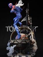 prime1-studio-marvel-spiderman-2099-statue-toyslife-05