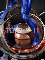 prime1-studio-marvel-spiderman-2099-statue-toyslife-08