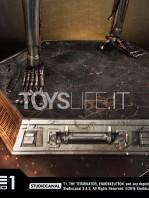 prime1-studio-terminator-t-800-endoskeleton-half-scale-statue-toyslife-15