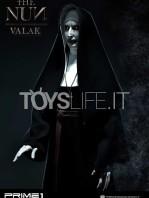 prime1-studio-the-nun-half-scale-statue-toyslife-06