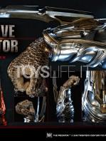 prime1-studio-the-predator-fugitive-predator-wristblades-lifesize-replica-toyslife-08