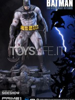 prime1-studios-dc-comics-batman-miller-the-dark-knight-returns-statue-toyslife-02