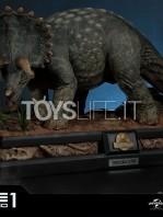prime1-studios-jurassic-park-triceratops-1:15-statue-toyslife-03