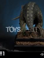 prime1-studios-jurassic-park-triceratops-1:15-statue-toyslife-04