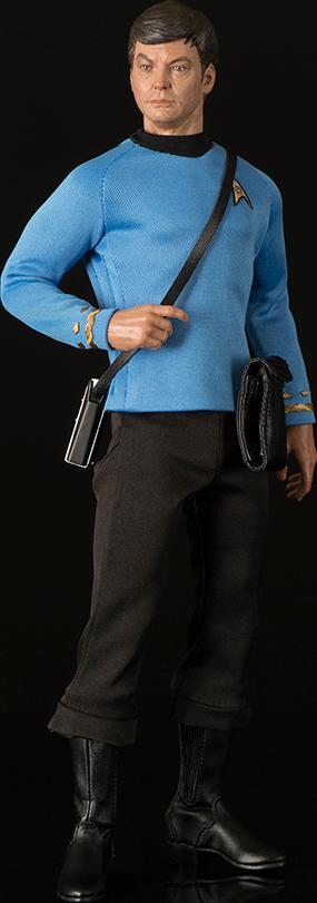 qmx-star-trek-the-original-serie-dr-leonard-bone-mccoy-sixth-scale-toyslife