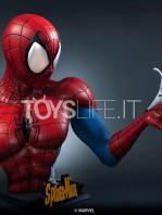 queen-studios-marvel-comics-spiderman-classic-lifesize-bust-toyslife-01