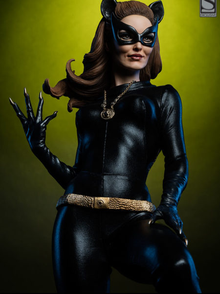 sideshow-batman-1966-catwoman-premium-format-classic-tv-series-toyslife-icon