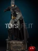 sideshow-batman-arkham-asylum-premium-format-toyslife-icon-01