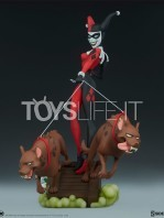 sideshow-batman-dc the-animated-series-harley-quinn-statue-toyslife-02