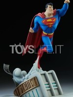 sideshow-batman-the-animated-series-superman-maquette-toyslife-06