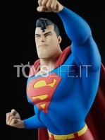 sideshow-batman-the-animated-series-superman-maquette-toyslife-08