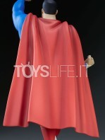 sideshow-batman-the-animated-series-superman-maquette-toyslife-09