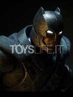sideshow--batman-vs-superman-armored-batman-premium-format-toyslife-10