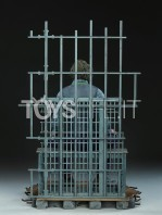 sideshow-dc-batman-the-dark-knight-the-joker-in-jail-premium-format-toyslife-04