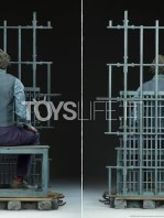 sideshow-dc-batman-the-dark-knight-the-joker-in-jail-premium-format-toyslife-07