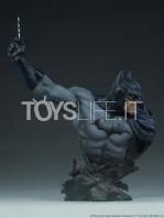 sideshow-dc-comics-batman-1:4-bust-toyslife-01