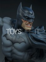 sideshow-dc-comics-batman-1:4-bust-toyslife-06