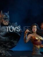 sideshow-dc-comics-batman-1:4-bust-toyslife-11