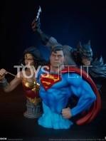 sideshow-dc-comics-batman-1:4-bust-toyslife-12