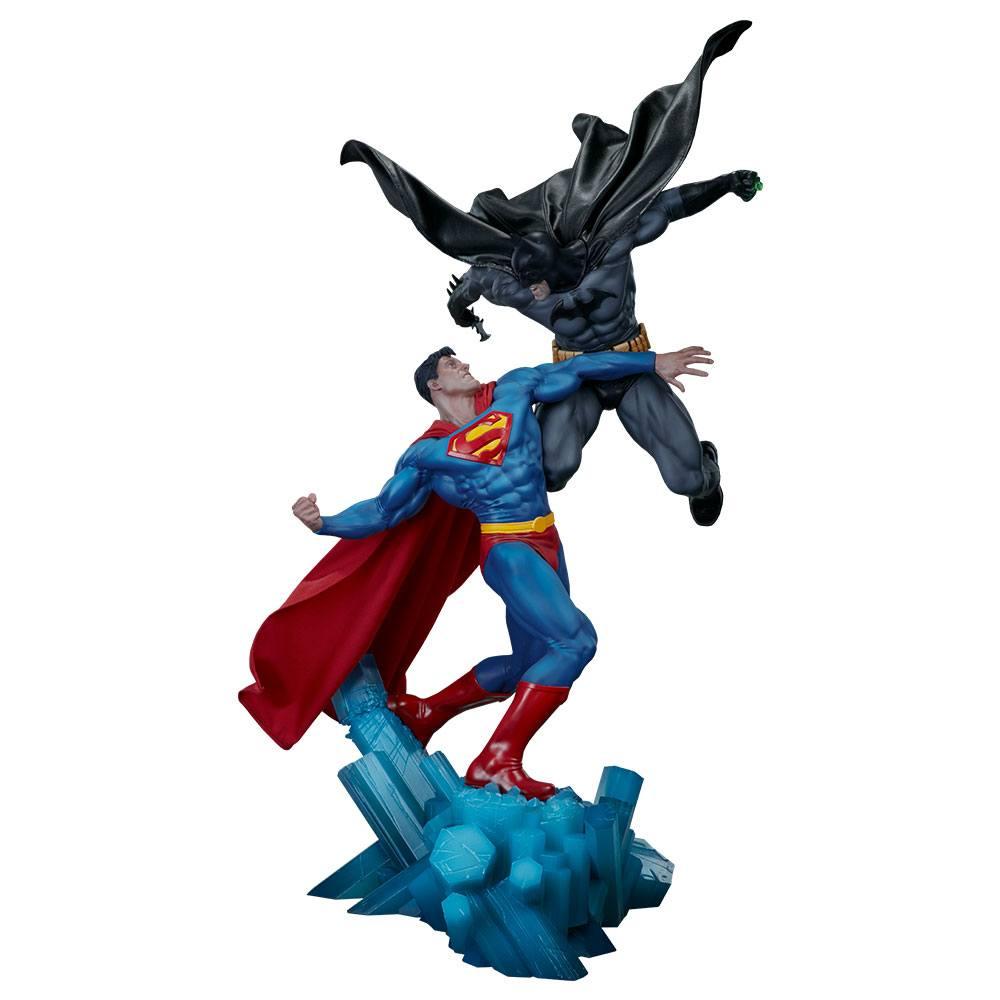 sideshow-dc-comics-batman-vs-superman-diorama-toyslife