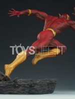 sideshow-dc-the-flash-premium-format-toyslife-04