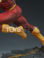 sideshow-dc-the-flash-premium-format-toyslife-13