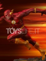 sideshow-dc-the-flash-premium-format-toyslife-17