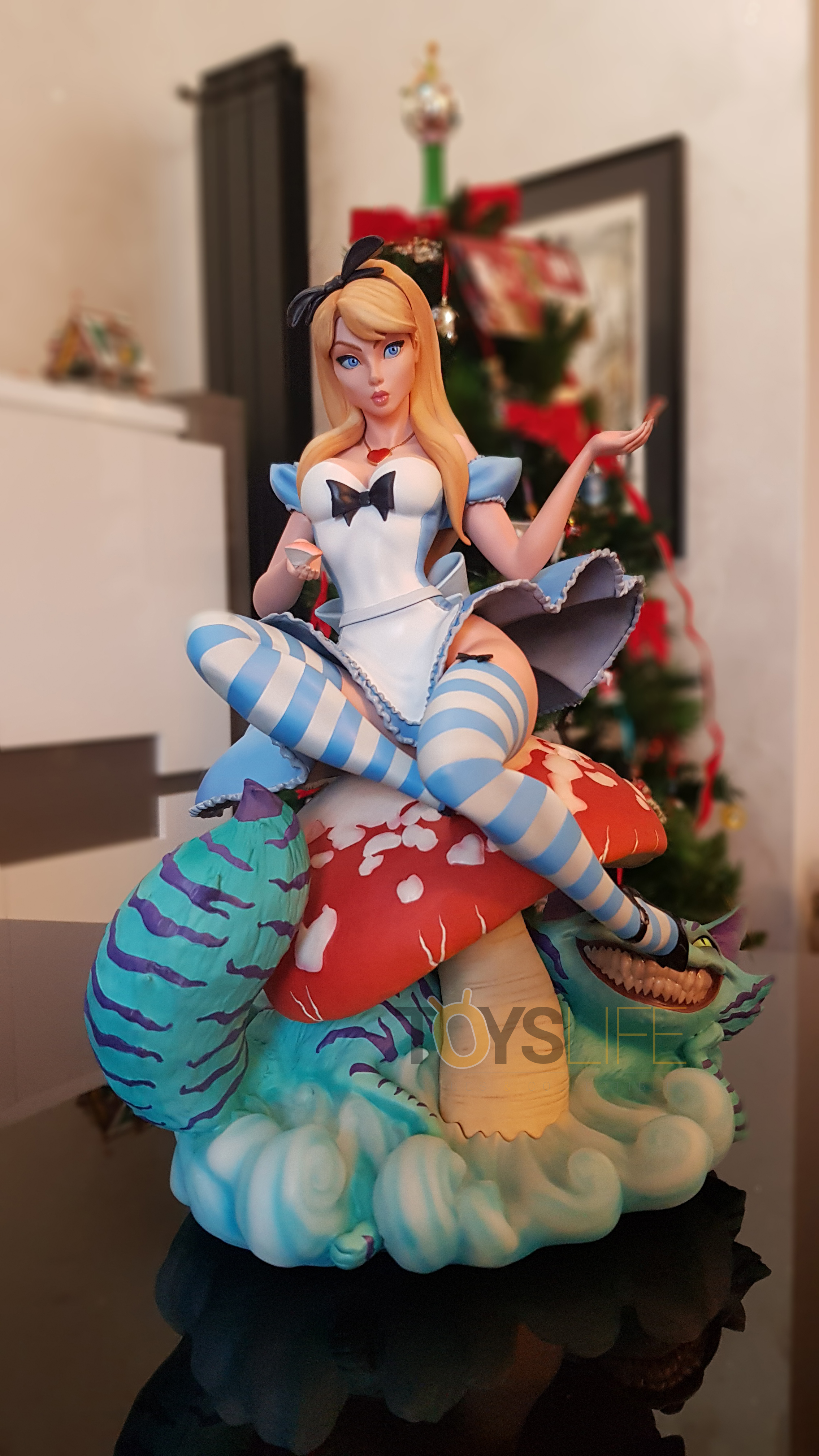 sideshow-fairytale-fantasies-jscampbell-alice-exclusive-statue-toyslife-review-01