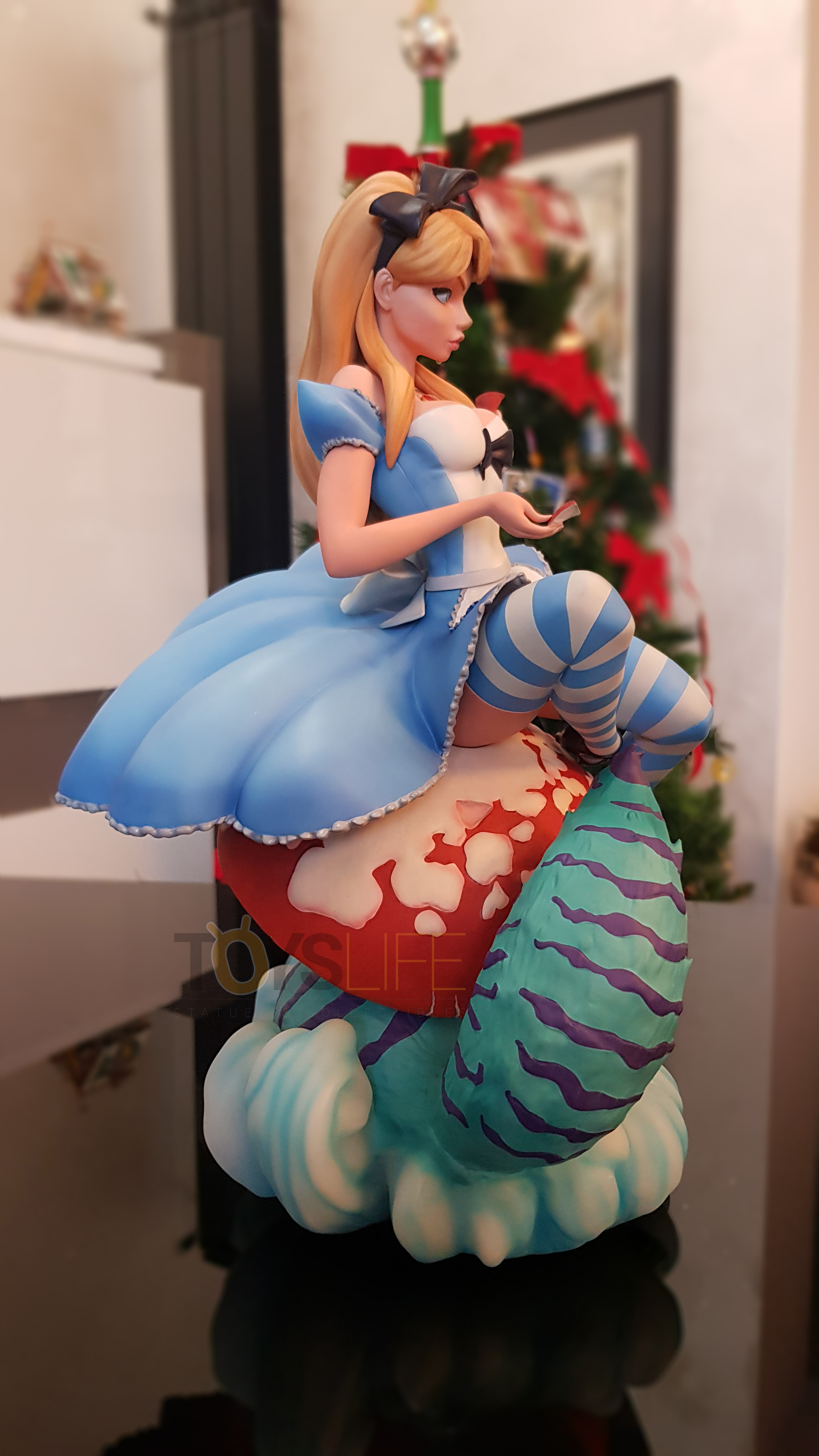 sideshow-fairytale-fantasies-jscampbell-alice-exclusive-statue-toyslife-review-02