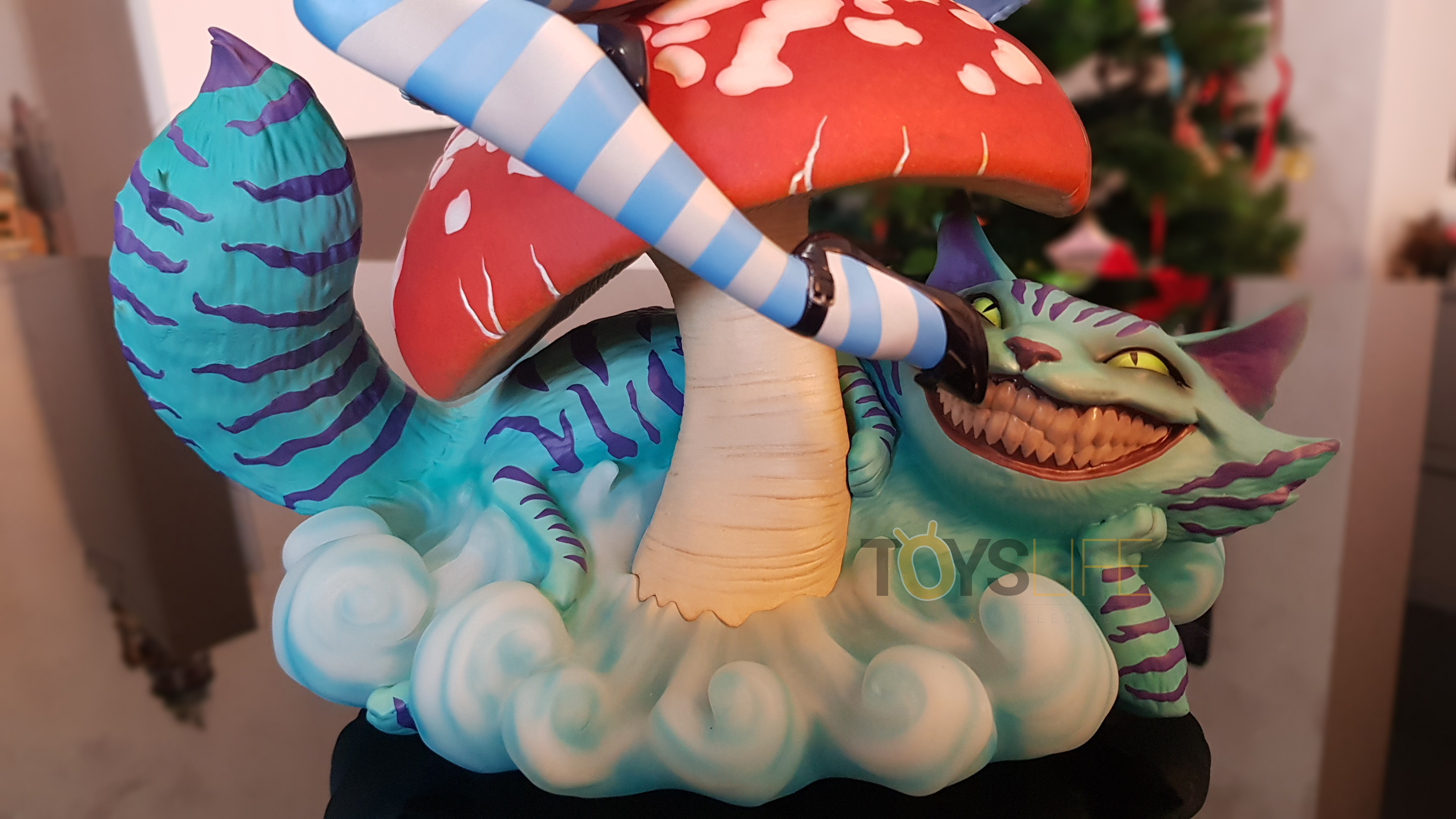 sideshow-fairytale-fantasies-jscampbell-alice-exclusive-statue-toyslife-review-17