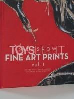 sideshow-fine-art-prints-vol-1-book-toyslife-02