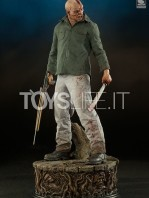 sideshow-jason-voorhees-terror-of-crystal-lake-premium-format-exclusive-toyslife-icon