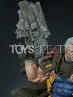 sideshow-marvel-cable-premium-format-toyslife-12