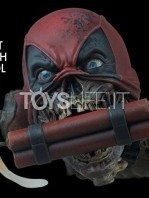sideshow-marvel-lady-deadpool-premium-format-figure-toyslife-05