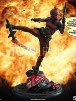 sideshow-marvel-lady-deadpool-premium-format-figure-toyslife-12